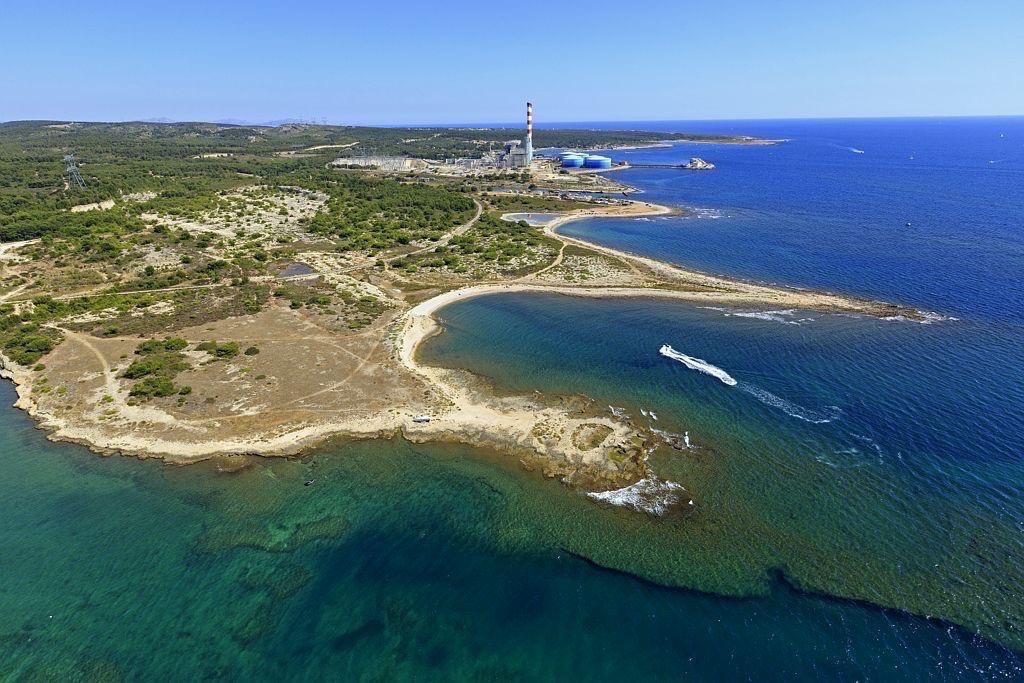 Martigues, Pointe Boucanet et Pointe Mauvais Pays, Centrale Thermique EDF en arriere plan