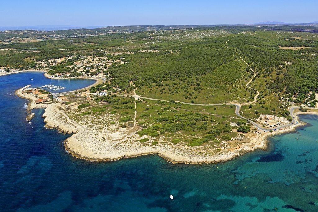 Martigues, Anse de Bonnieu, Anse des Laurons en arriere plan