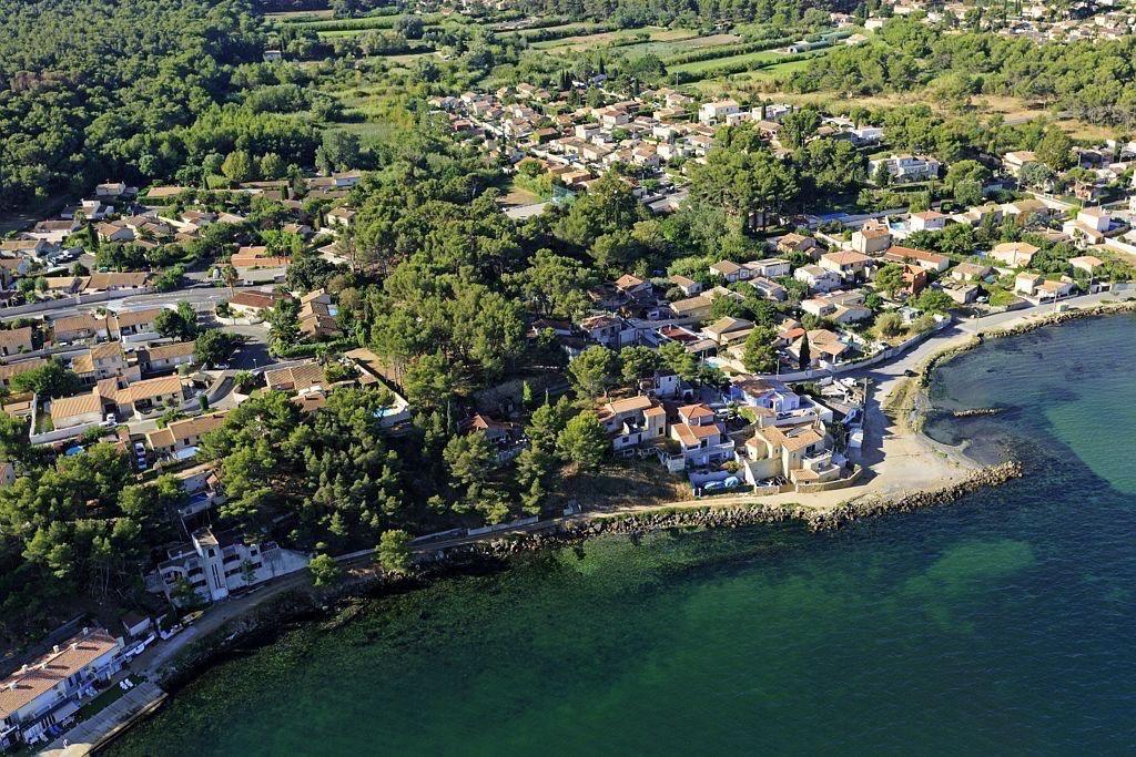 Saint Mitre les Remparts, quartier Varage, etang de Berre
