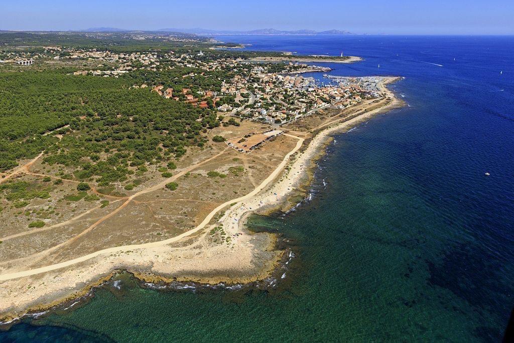 Martigues, Anse d'Arnette, Carro en arriere plan