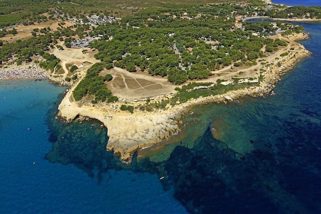 Martigues, quartier de Sainte Croix, Anse et plage de Sainte Croix