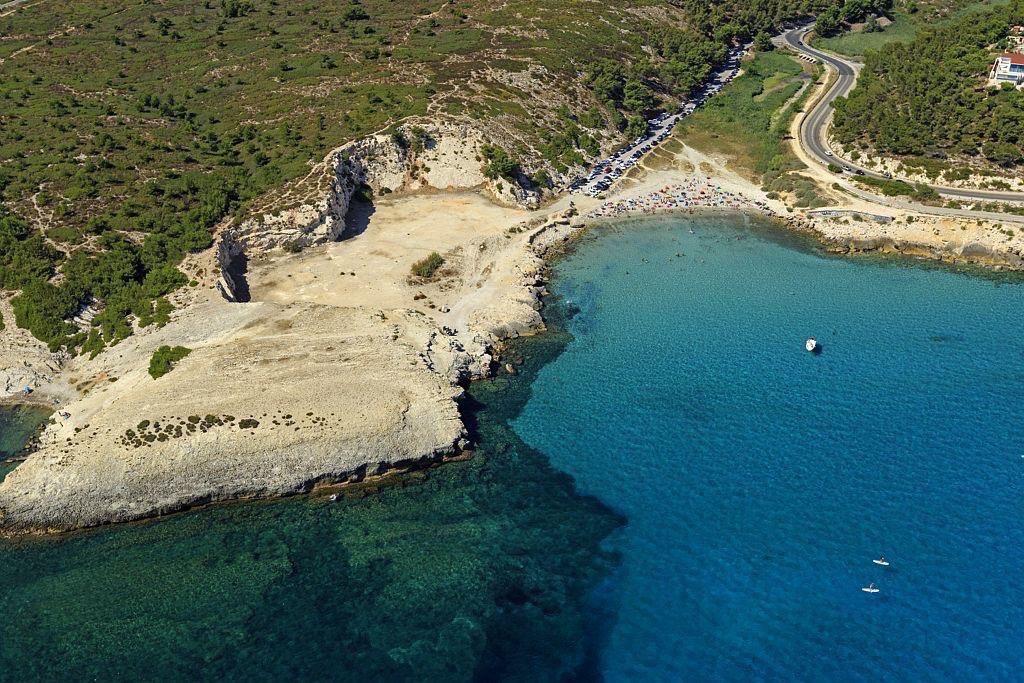 Martigues, quartier de Sainte Croix, Anse et plages de Boumandariel