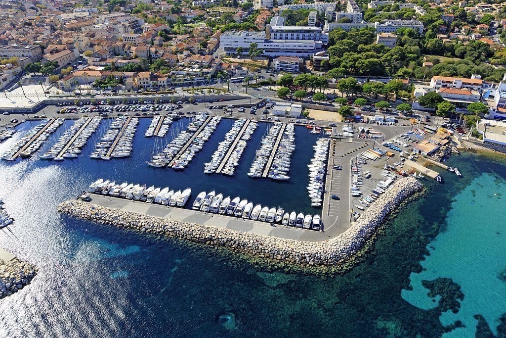 La Ciotat, Port de plaisance, Bassin des Capucins, Societe Nautique de La Ciotat (vue aerienne)