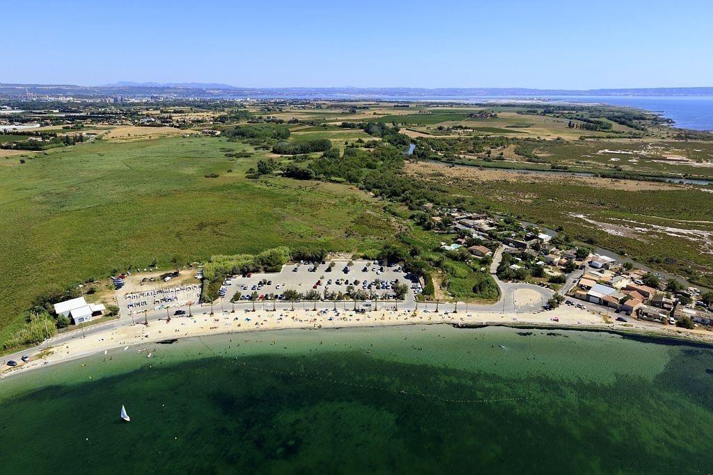 Berre l'Etang, quartier Les Cabanes, plage de Champigny ou plage de Merveille, l'etang de Berre
