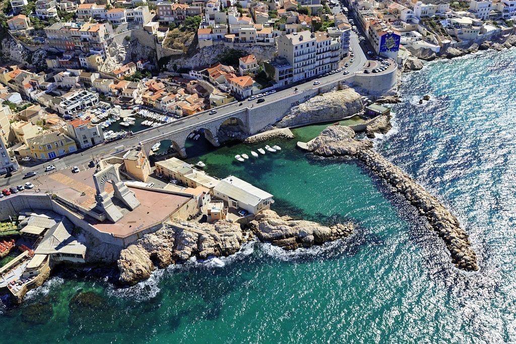 Marseille, 7e arrondissement, quartier d'Endoume, Corniche JF Kennedy, Porte de L'Orient, monument aux morts de l'armee d'Orient, Anse du Vallon des Auffes