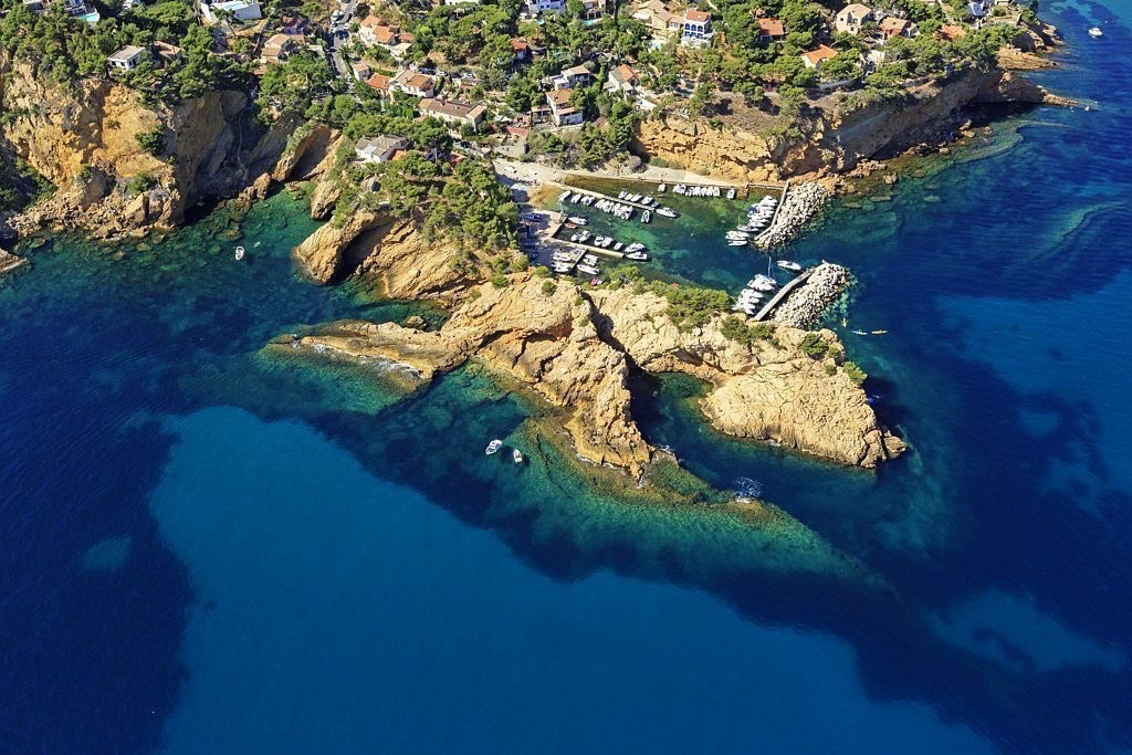 La Cote Bleue, Ensues la Redonne, La Madrague de Gignac