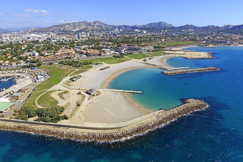 Marseille, 8e arrondissement, quartiers La Plage et Bonneveine, base nautique du Roucas Blanc et les plages du Prado