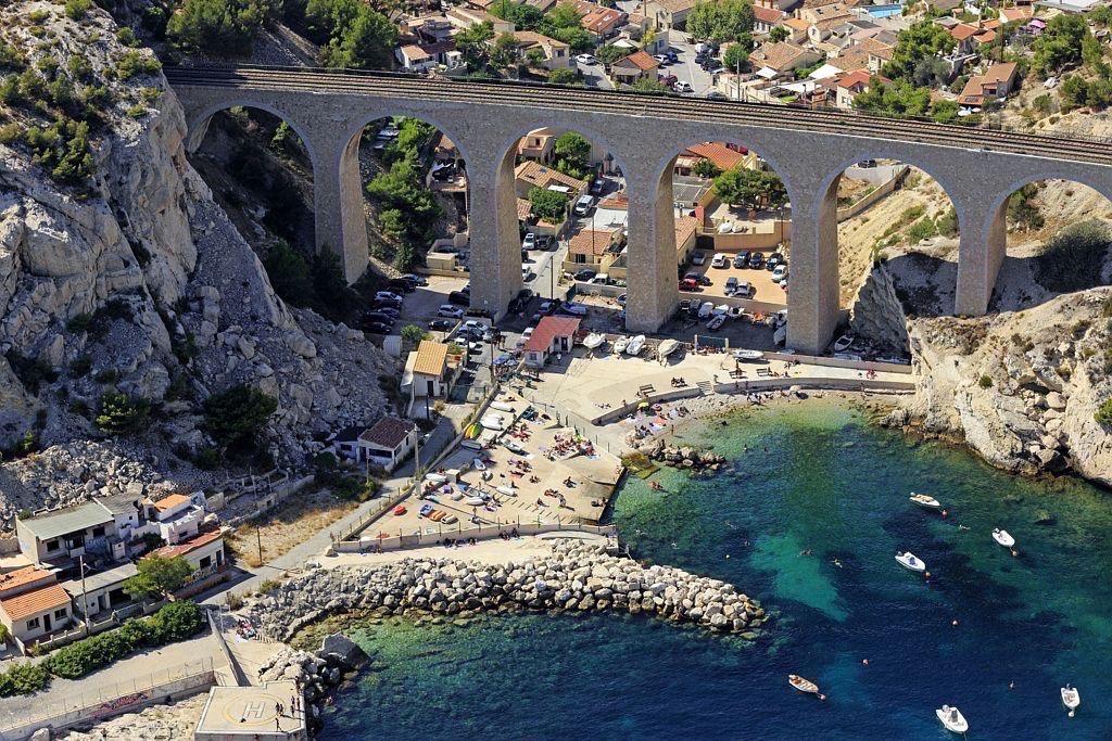 La Cote Bleue, Le Rove, calanque de La Vesse, le pont de chemin de fer