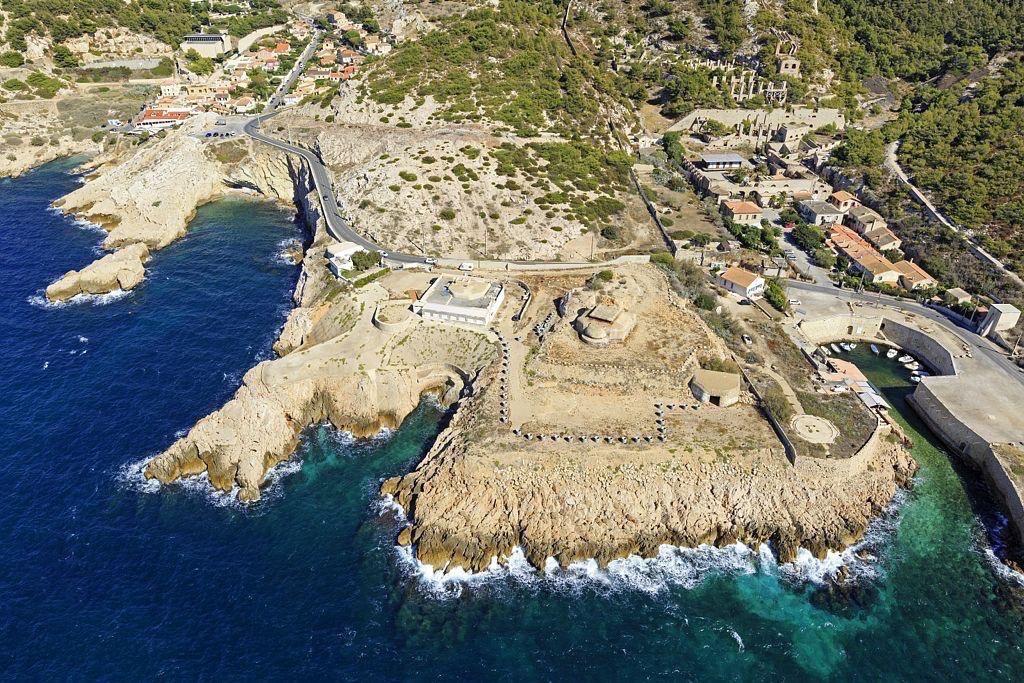 Parc national des Calanques, Marseille, 8e arrondissement, quartier Montredon, calanque du Mauvais Pas et calanque de L'Escalette