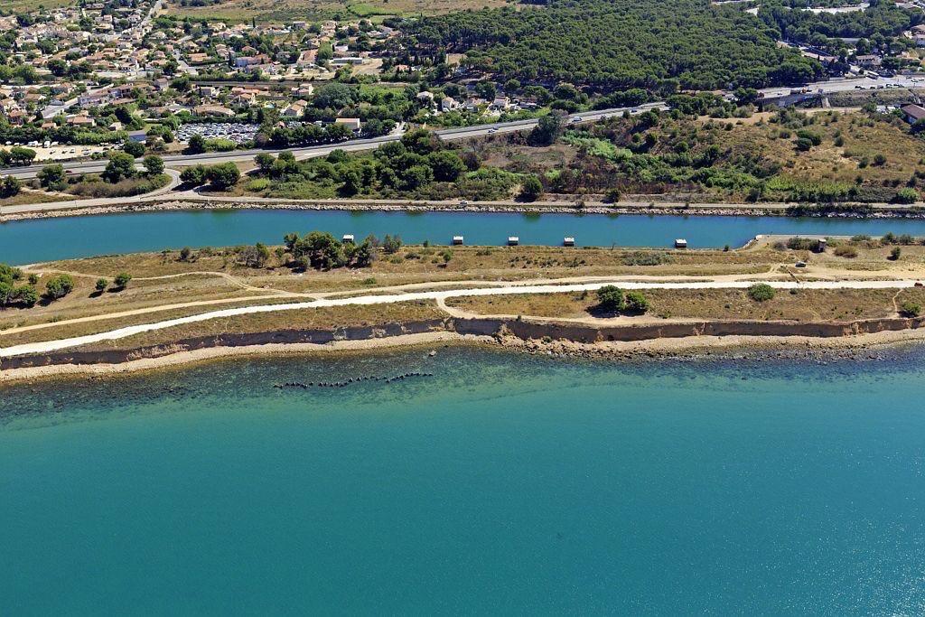 Golfe de Fos sur Mer, Port de Bouc, Canal de navigation
