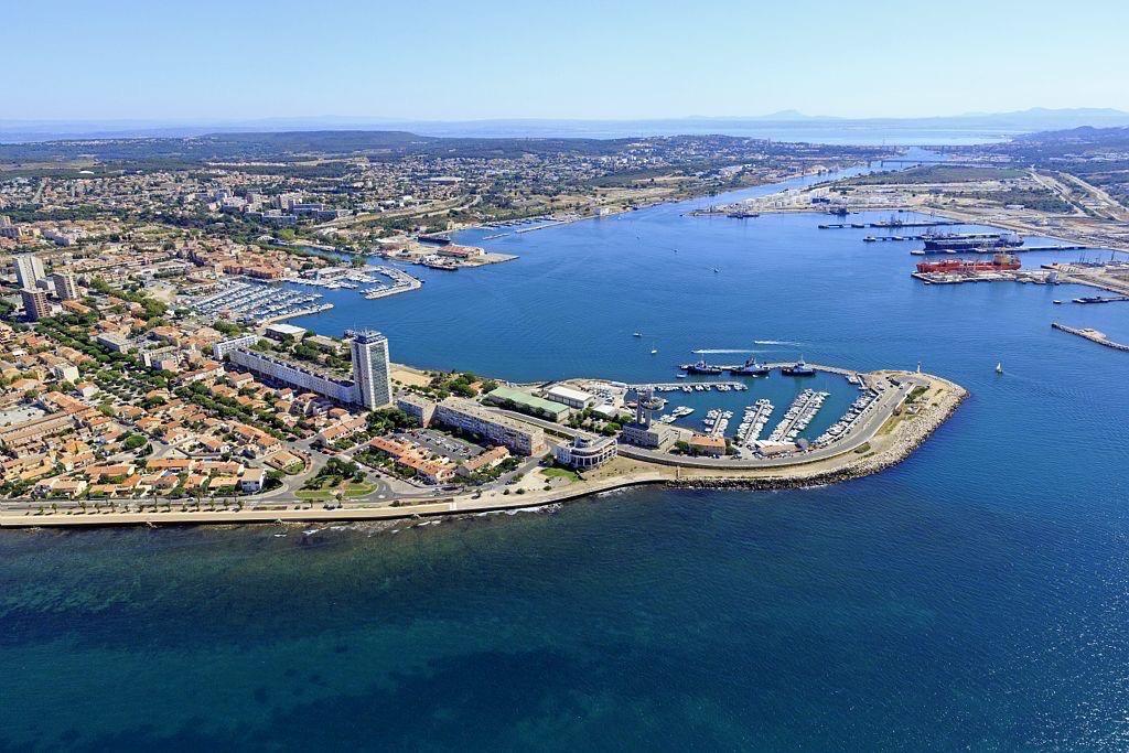 Golfe de Fos sur Mer, Port de Bouc, entree du Port