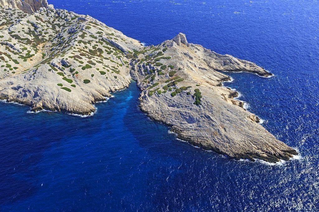 Parc national des Calanques, Marseille, Reserve Naturelle de l'Archipel de Riou, ile Riou, calanque de Fontagne et calanque de Boulegeade