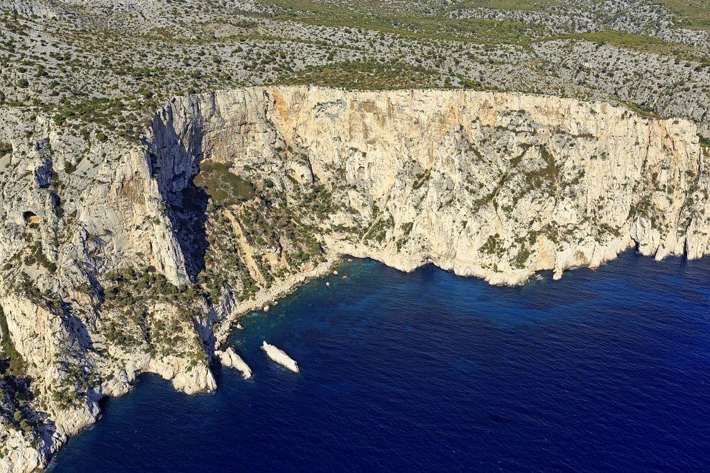 Parc national des Calanques, Marseille, 9e arrondissement, calanque du Devenson, ilot du Dromadaire