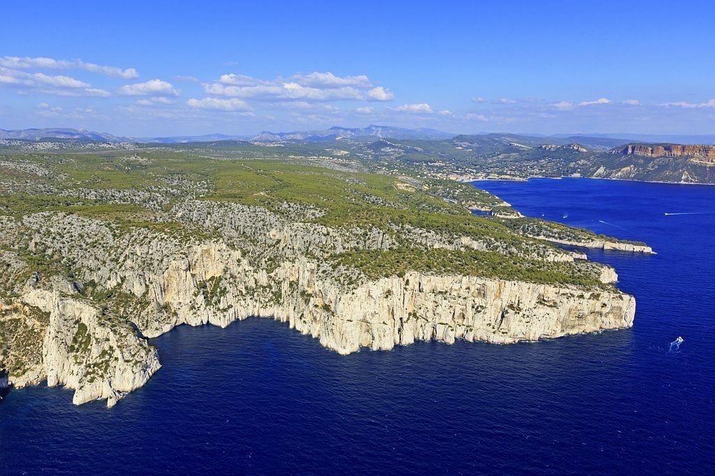 Parc national des Calanques, Marseille, 9e arrondissement, calanque de l'Eissadon, calanque de L'Oule, Pointe de Castelvieil