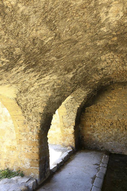 France, Bouches du Rhone (13), Saint Chamas, le lavoir des Contagieux au bord de l'etang de Berre