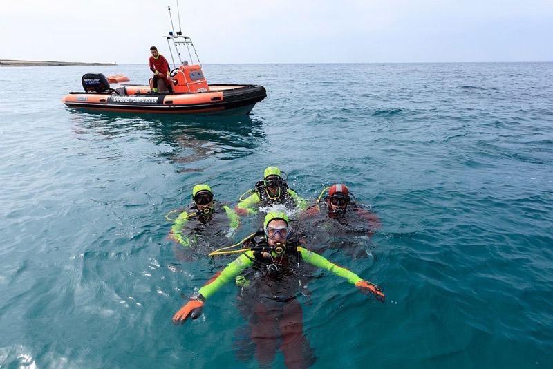France, Bouches du Rhone (13), Cote Bleue, Martigues, quartier de Carro,  Sapeurs Pompiers (SDIS), exercices de sauvetage en mer