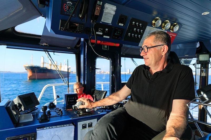 France, Bouches du Rhone (13), Golfe de Fos sur Mer, Port de Bouc, remorqueur de la societe Boluda