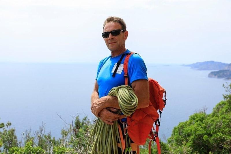 France, Bouches du Rhone (13), Parc national des Calanques, massif de la Canaille, La Ciotat, escalade avec Andre Bernard
