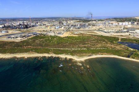 Martigues, Pointe Castagnole, plateforme Petrochimique de Lavera