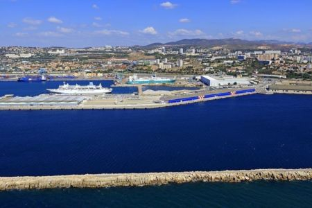 Marseille, 16e arrondissement, quartier Saint Andre, Grand Port Maritime de Marseille, Mole Leon Gourret, terminal de croisieres, Darse Sud