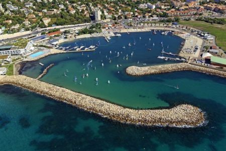 Marseille, 8e arrondissement, quartier La Plage, base Nautique du Roucas Blanc