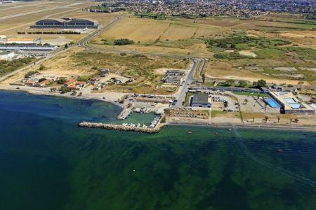 Marignane, port du Jai, Club Nautique Marignanais, etang de Berre