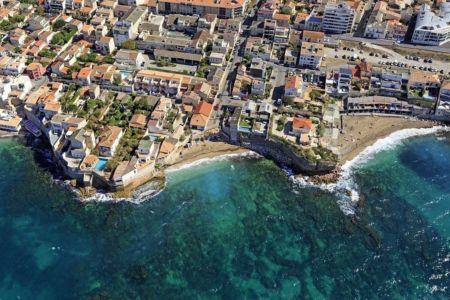 Marseille, 8e arrondissement, quartier Montredon, plage du Colombet et plage de la Verrerie