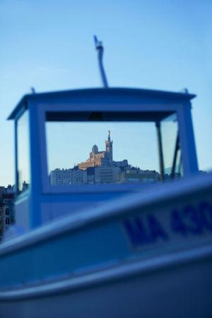 France, Bouches du Rhone (13), Marseille, 6e arrondissement, basilique Notre Dame de la Garde depuis le Vieux Port