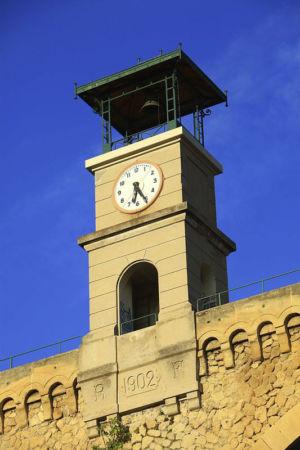 France, Bouches du Rhone (13), Saint Chamas, aqueduc, le « pont de l'Horloge »