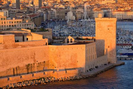 France, Bouches du Rhone (13), Marseille, 2e arrondissement, Zone Euromediterranee, Fort Saint Jean (XVIIe) classe Monument Historique, promenade Louis Braquier