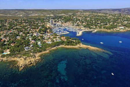 France, Bouches du Rhone (13), La Cote Bleue, Carry le Rouet, le port (vue aerienne)