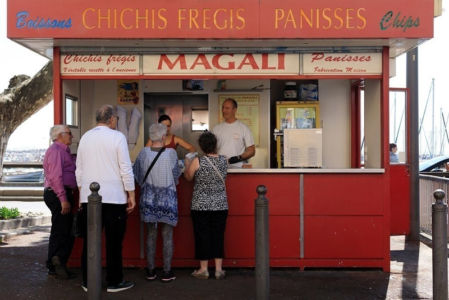 France, Bouches du Rhone (13), Marseille, 16e arrondissement, quartier l'Estaque, kiosque Chez Magali, chichis Fregis
