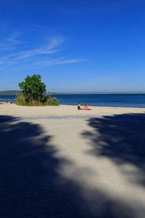 France, Bouches du Rhone (13), Istres, etang de Berre, plage de La Romaniquette